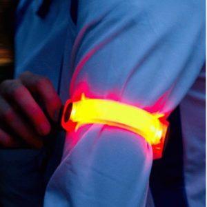 Read more about the article Bracelets Slap publicitaires LED